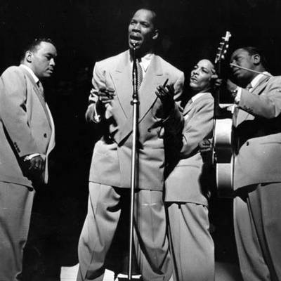"September 28 1946- The Ink Sports Charted With ""To Each His Own"""