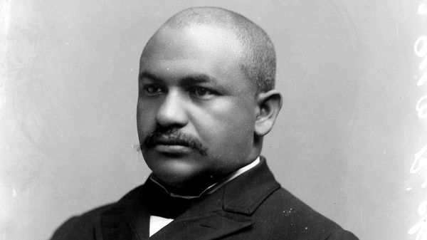 GM – FBF – Today's American Champion was an American politician and physician.