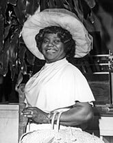 GM – FBF – Today's American Champion was born to sharecropper Wilder Berry and his wife, Lucy Wright Berry, near Glendora in Leflore County, Mississippi, on 2 September 1924.